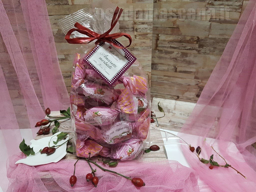 Amaretti with rosehip extract 200g.