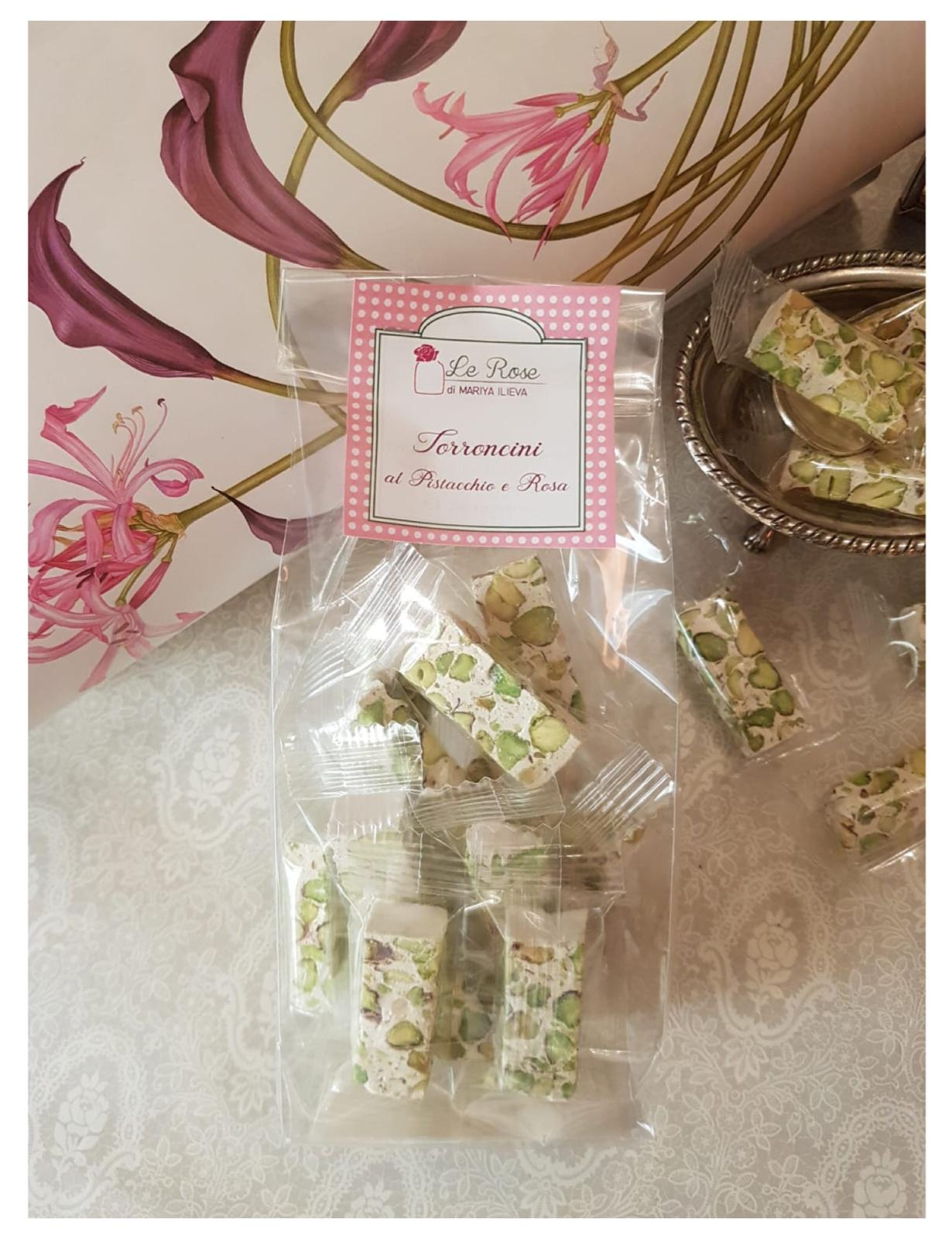 Torroncini with pistachio and roses