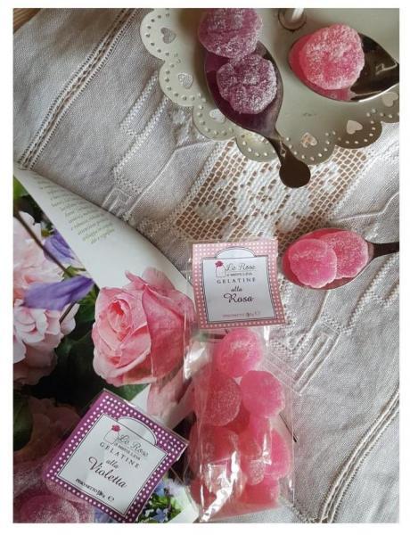 Gelleis wih rose flavour