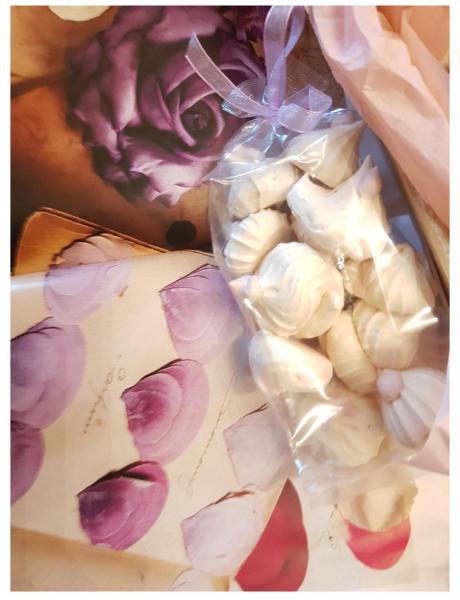 Meringues with Viola flavour 60 g